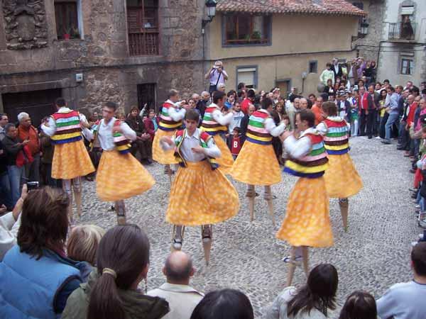 Bajada de los danzadores de Anguiano