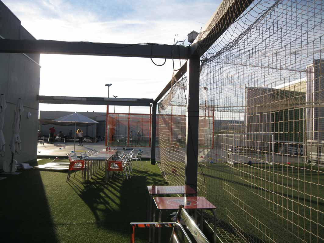 Parque infantil en deportes ferrer el balc n de mateo for Piscina infantil decathlon