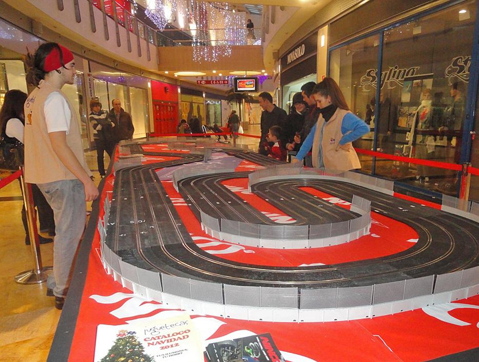 Circuito gigante de coches teledirigidos en Berceo