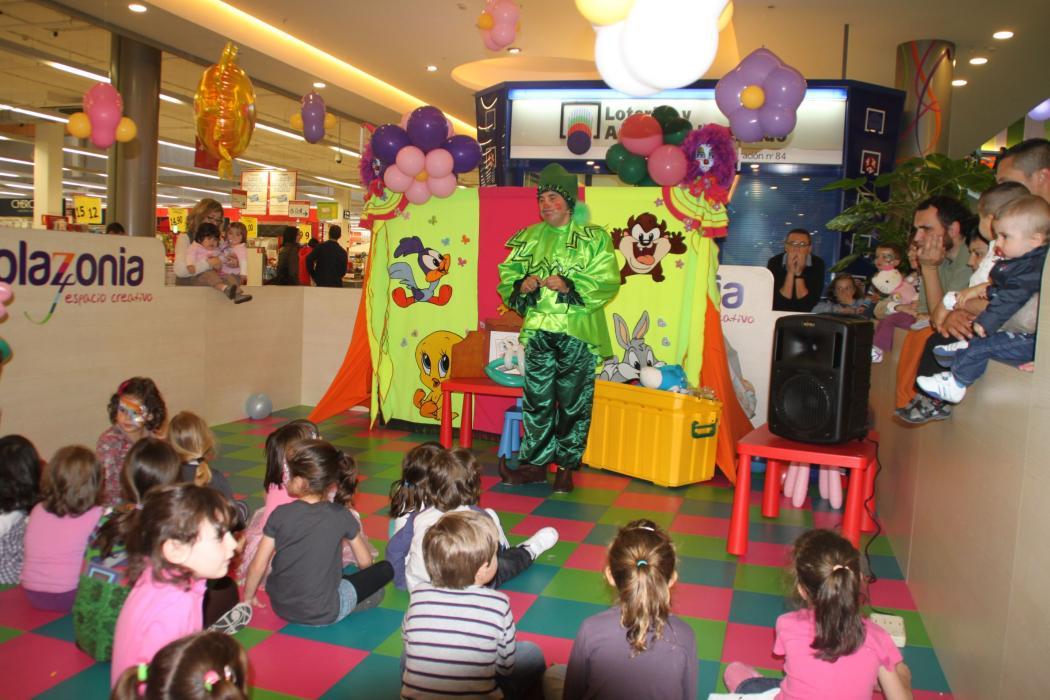 Fiesta infantil y chocolatada en El Arco