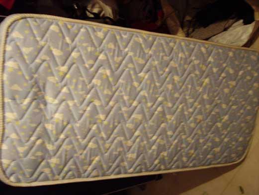 Se vende: colchón de cuna