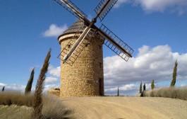 Visita el molino de viento de Ocón y el museo del aceite