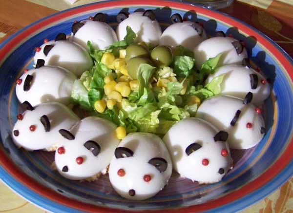 huevos-disfrazados-de-ratones