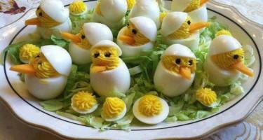 huevos duros pollitos