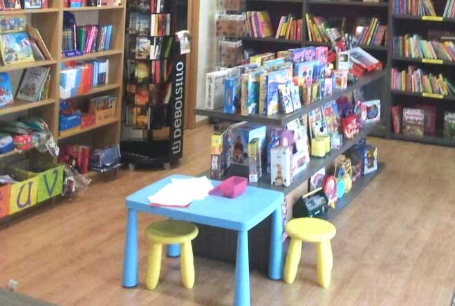 Niños bienvenidos en Librería 'Érase una vez'