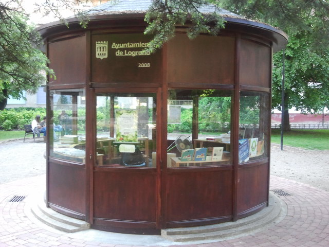 Talleres y lecturas en grupo en el Parque del Carmen