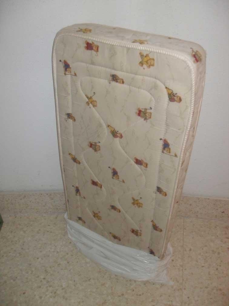 Se vende: colchón cuna y barreras
