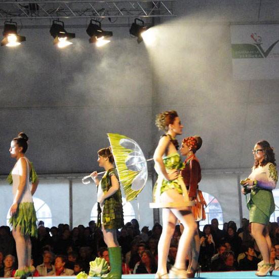Desfile de moda con verduras en Calahorra