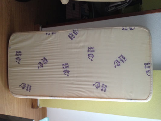 Se vende: colchón para cuna