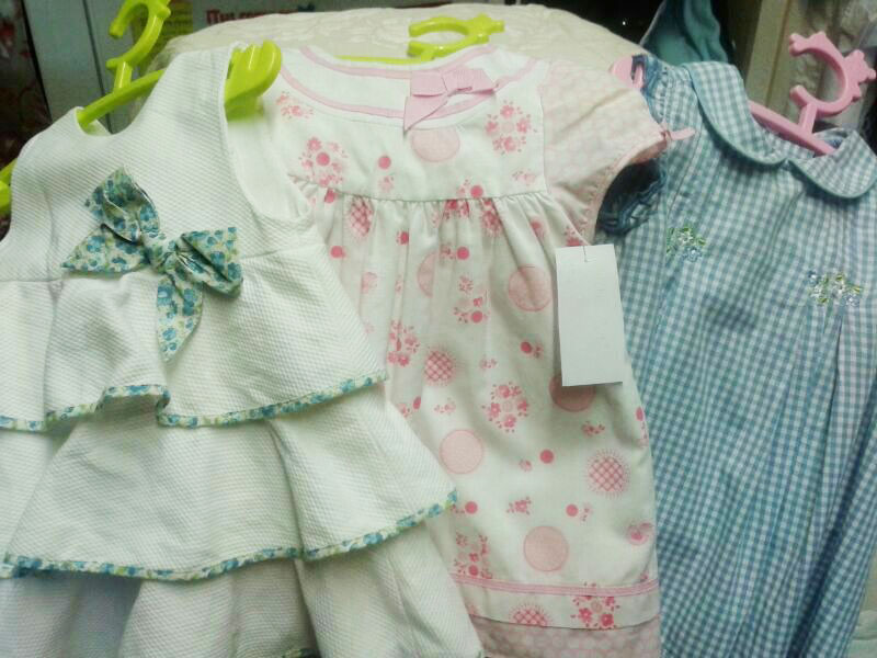 Se vende: ropa para niños y niñas de todas las edades