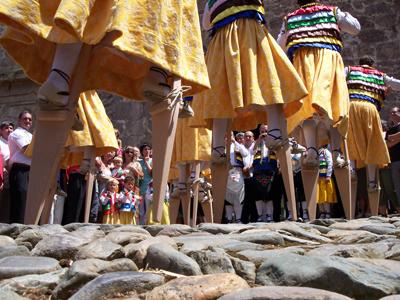 Fiestas de Anguiano-Bajada de los danzadores