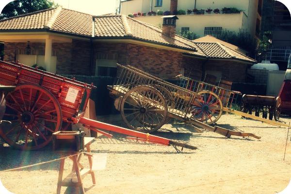 Exposición de maquinaría agrícola antigua