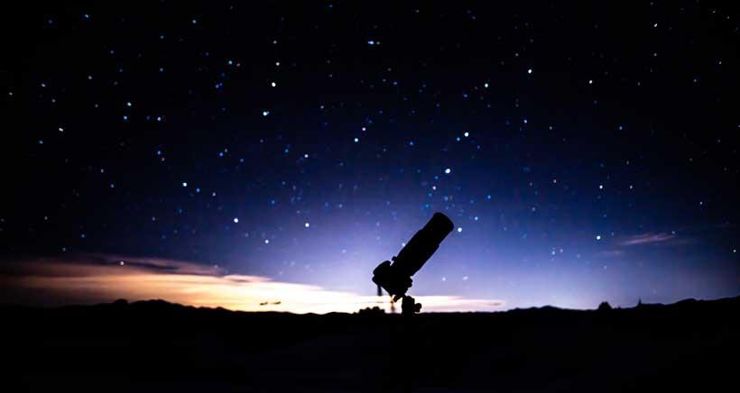 Observación guiada de la Luna con telescopios