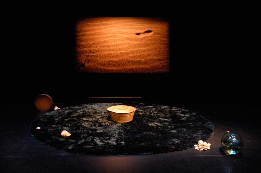Escena de la obra de teatro familiar Pezes, de Ultramarinos de Lucas