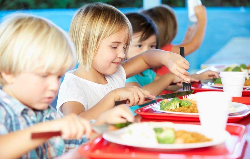 ¿Qué comen nuestros hijos en el colegio?