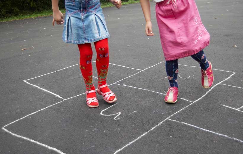 Juegos tradicionales en la Plaza San Bartolomé