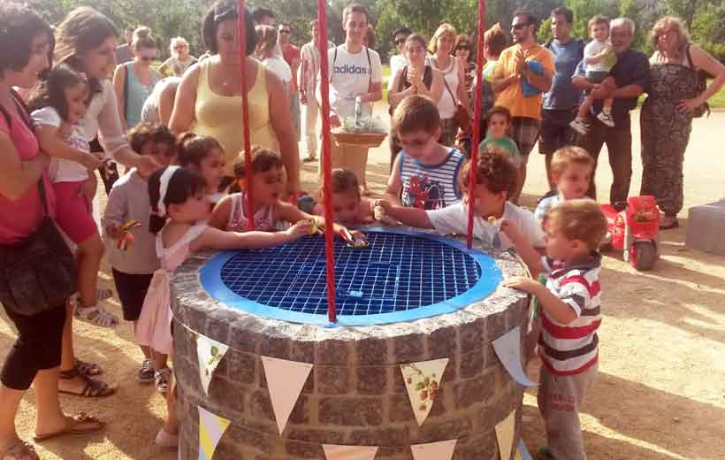 Los niños de Logroño estrenan el Pozo de Los Chupetes