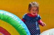 Hinchables en la Plaza del Mercado por el Día Mundial de la Esclerosis