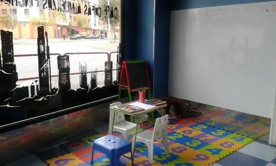 Niños bienvenidos en Cafetería La Esquina