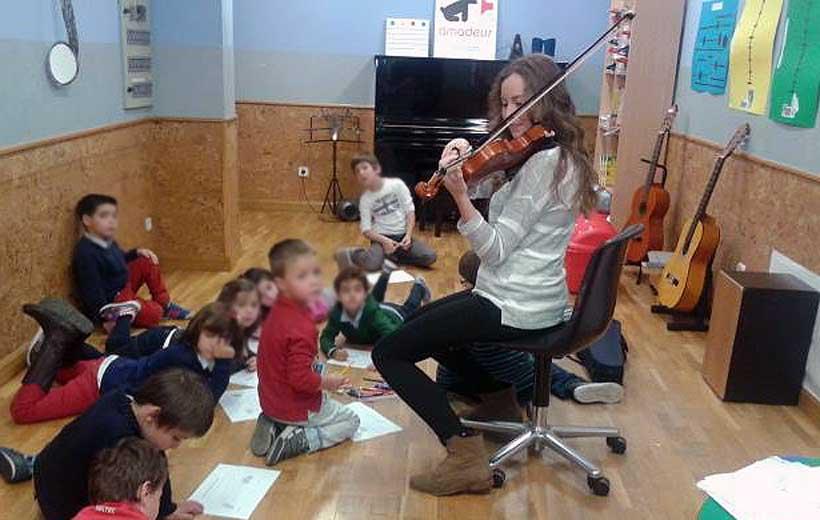 Ludoteca de música en academia Amadeus