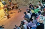 Fiesta de Año Nuevo en el Centro Cívico Madre Dios