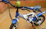 Se vende bicicleta niño 3-5 años y barrera de seguridad