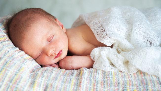 Hacienda inicia esta semana la devolución del IRPF de las prestaciones por maternidad y paternidad