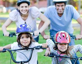 En bici con seguridad. Curso gratuito para aprender en familia