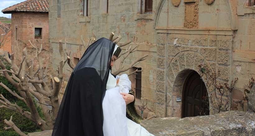 visitas-teatralizados-abadia-canas