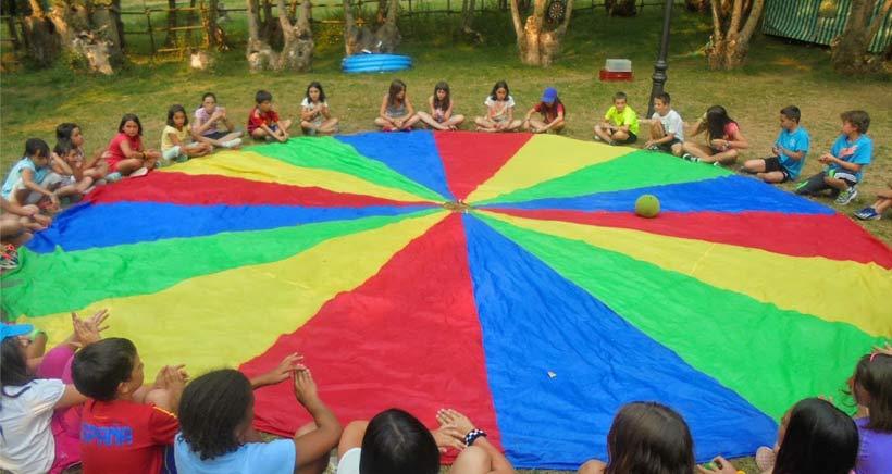 Campamentos de verano y dinosaurios en Hornillos