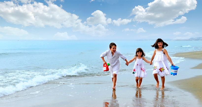Este verano, descubre la Costa Dorada en familia