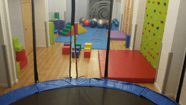 Minigym el primer gimnasio para ni os en logro o for Gimnasio 24 horas logrono