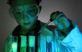 Experimentos científicos en inglés con profesora nativa