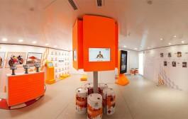 Exposición del Equipo Repsol con circuito infantil de minimotos