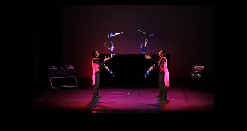Espectáculo de circo en el Teatro Bretón