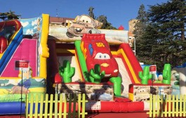Hinchables, palomitas y ludotecas gratis para niños en Logrostock