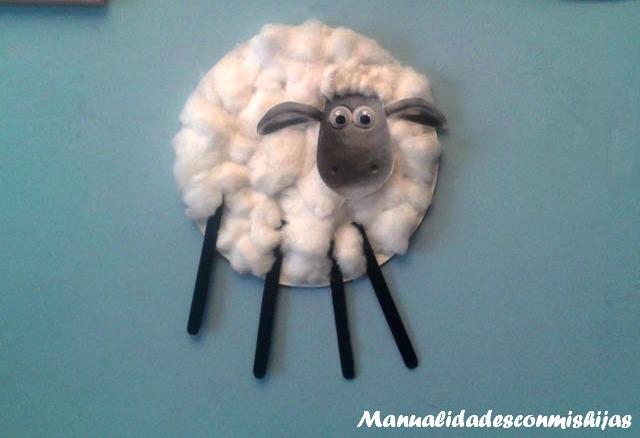 La oveja Shaun de algodón, manualidad perfecta con niños a partir de 2 años