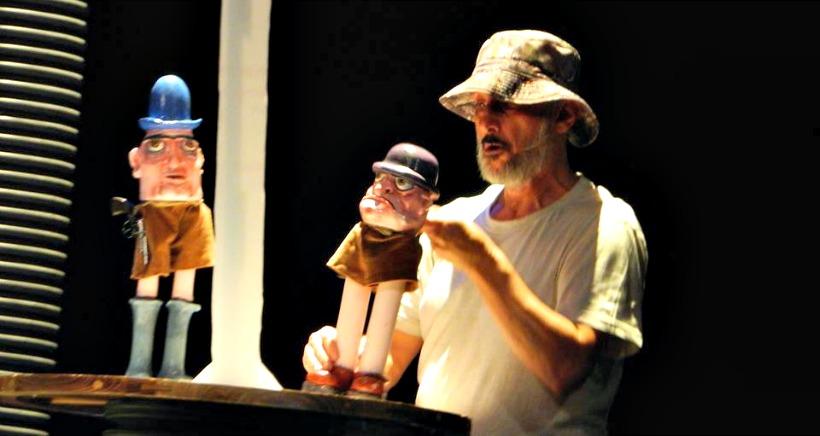 'Los primeros burritos', teatro de títeres y actor, este sábado en Teatrea