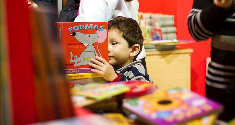 Taller de manualidades en inglés en Santos Ochoa