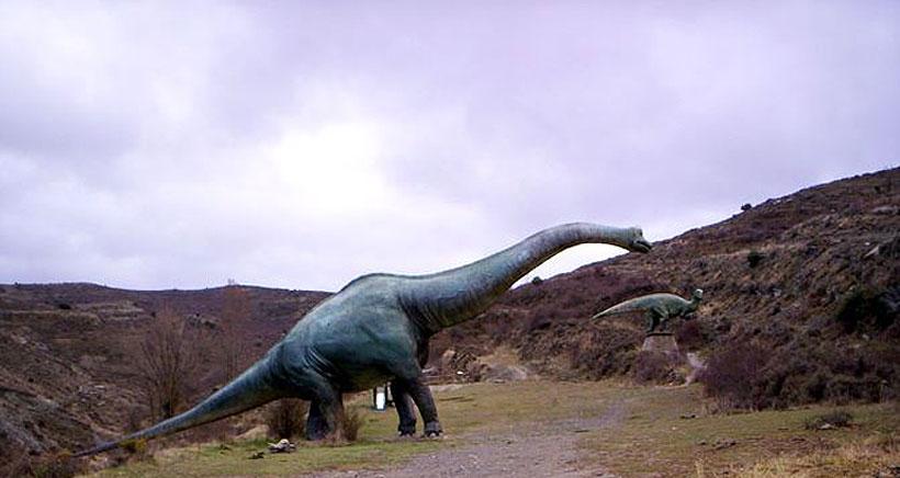 Excursión al Barranco Perdido y a las huellas de dinosaurios, a bordo del Dinobús