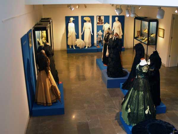 Exposicion-mujeres-en-el-cambio-de-siglo.-Museo-de-La-Rioja-2
