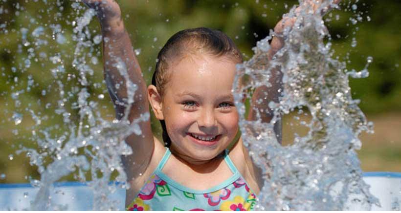 Taller en inglés para niños con juegos de agua