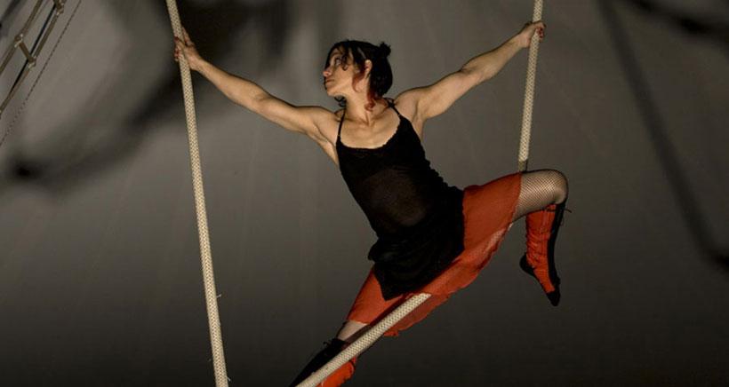 Espectáculo de danza y circo en el Teatro Bretón: Joc, de Atempo Circ