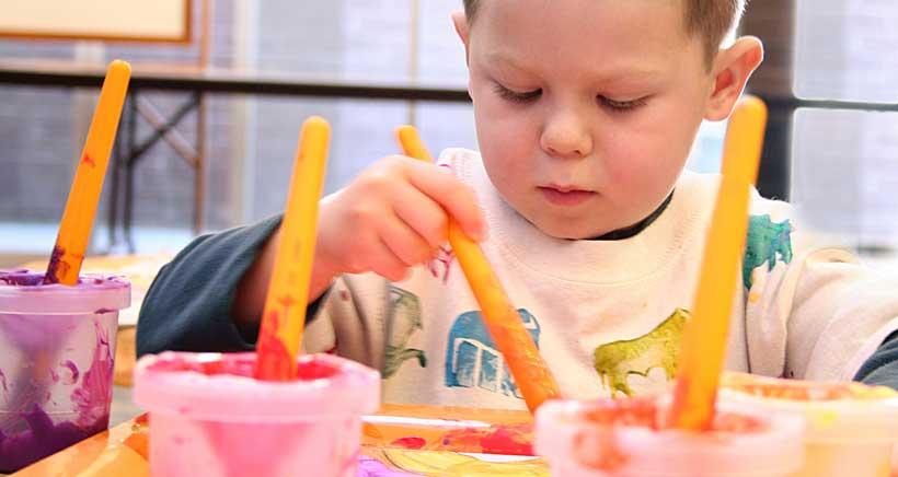 Las escuelas infantiles municipales de Logroño prestarán servicio de ludoteca para 0-6 años