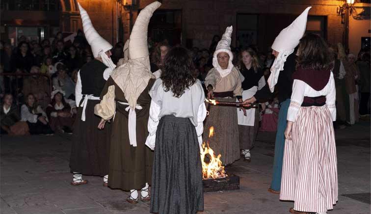 Brujas, akelarres, hechiceros y almas errantes por las calles de Logroño