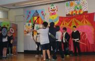 Los alumnos de Adoratrices hacen teatro para bebés