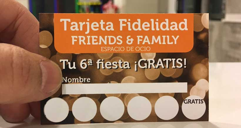 Tu fiesta gratis en Friends & Family