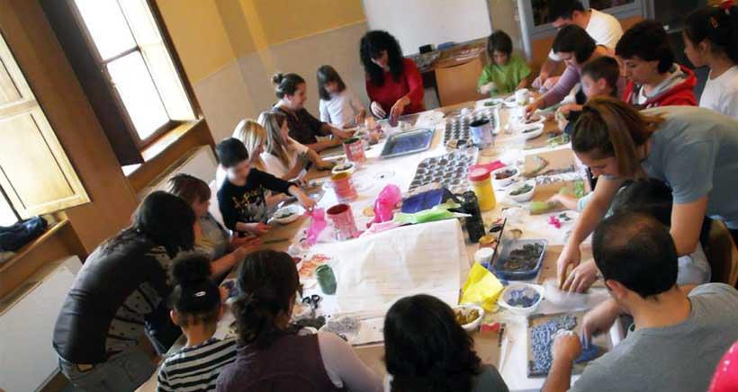 Cursos de verano de la Universidad Popular para niños y familias