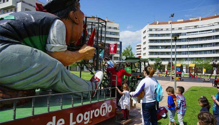 Actividades para niños en las fiestas del barrio de Los Lirios