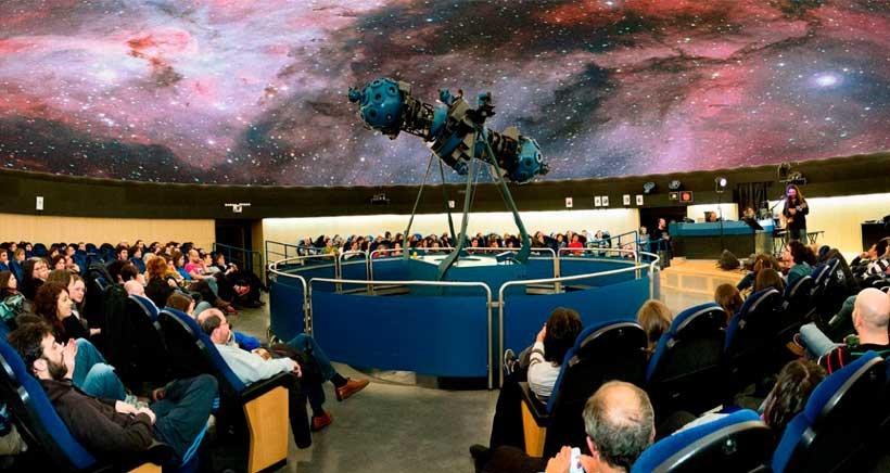Planes de un día: viaje al centro del Universo en el Planetario de Pamplona